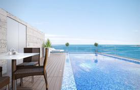 Apartments with pools for sale in Israel. Penthouse with terrace and swimming pool, in a new residence, in front of the sea, in Netanya, Israel