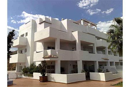 Bank repossessions property in Andalusia. Apartment – Estepona, Andalusia, Spain