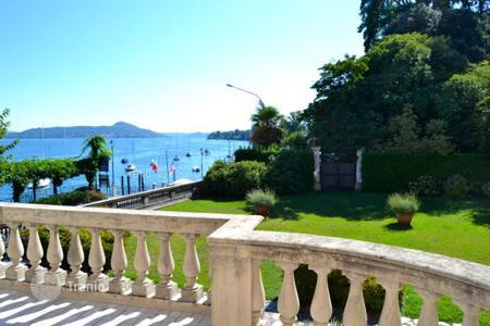 Residential for sale in Belgirate. Apartment – Belgirate, Piedmont, Italy