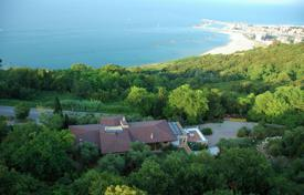 Luxury houses with pools for sale in Marche. Villa – Pesaro, Marche, Italy