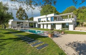 Luxury houses for sale in Muan-Sarthe. Contemporary 4 Bedroom Villa for Sale in Mouans Sartoux