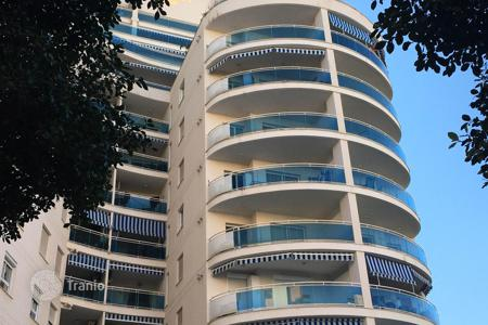 Coastal residential for sale in Benidorm. Apartment with a terrace, in a residence with a pool, in a quiet district, at 300 meters from the sea, Benidorm, Spain