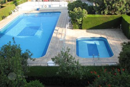 Apartments with pools for sale in Agios Tychon. Apartment - Agios Tychon, Limassol, Cyprus