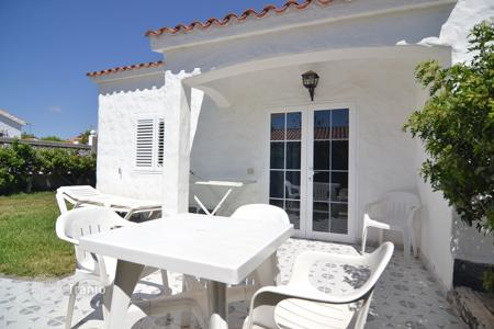 Cheap houses for sale in Canary Islands. Bungalow in Playa del Ingles