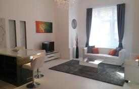 2 bedroom apartments for sale in Budapest. Spacious three-room apartment in a residence with a lift in the center of the city, district VII, Budapest, Hungary