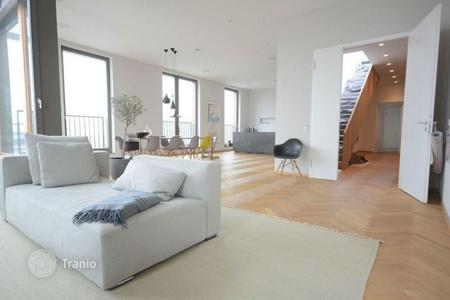Luxury 3 bedroom apartments for sale in Berlin. Modern 5-room penthouse in a historical building in Berlin