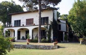 Practically new two-storey villa in Florence, Tuscany, Italy for 2,200,000 €