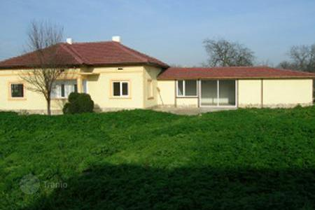 Cheap houses for sale in Dobrich. Townhome – Dobrich, Bulgaria