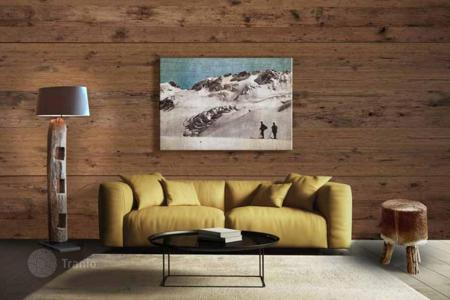 Residential for sale in Sankt Anton am Arlberg. Modern apartment in a world-class ski resort with fully managed return due to a contract with a tour operator, St. Anton am Arlberg, Tirol
