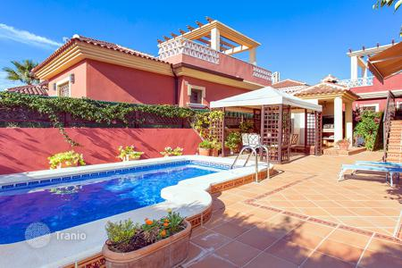 Houses for sale in Algorfa. 3 bedroom villa with private pool, solarium, summer terrace and 420 m² plot with BBQ in Algorfa