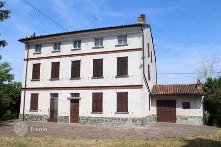 Residential for sale in Zenevredo. Real CUNTRY HOUSE on the first HILLS of OLTREPO'PAVESE