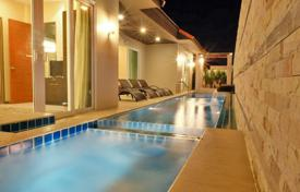 Splendid 6 bed villa in Thailand, close to the seaside. 12 Guests welcome.. Price on request
