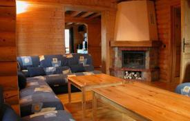 Chalets for rent in Courchevel. Ski-in/ ski-out chalet in the ski resort of La Tania, France