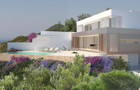 Coastal property for sale in Ibiza. Development of minimalistic 5-bedroom villa on Ibiza´s west coast, in the privileged area of Cala Salada and Can Germà