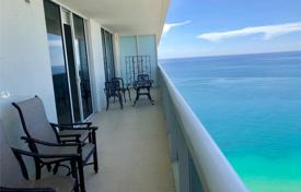 Furnished three-bedroom apartment on the edge of the beach, Hallandale Beach, Florida, USA for $885,000