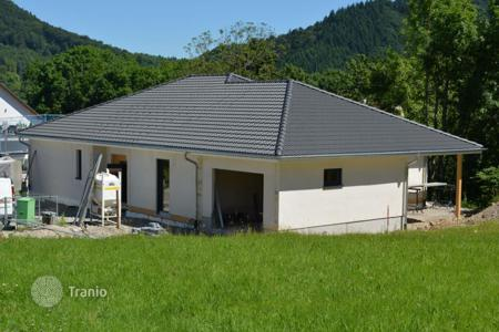 3 bedroom houses for sale in Badenweiler. New villa with garage and a plot of land in Badenweiler, Germany