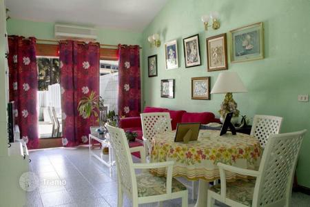 Residential for sale in Maspalomas. Private & Centric Bungalow in Playa del Ingles