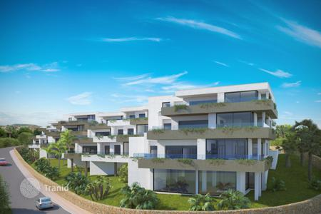 Apartments with pools by the sea for sale in Benitachell. Apartments on the beach in Cumbre del Sol