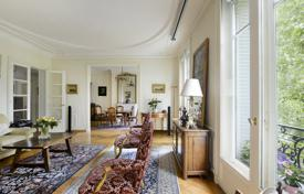 2 bedroom apartments for sale in Paris. Paris 4th District – An over 120 m² apartment in a prime location