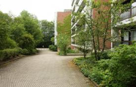 2 bedroom apartments for sale in Bavaria. Apartment with two balconies in a green district, Starnberg, Germany