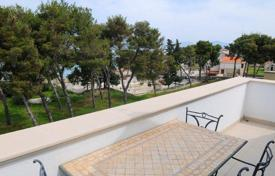Apartments for sale in Brač. Luxury apartment with sea view on island Brač