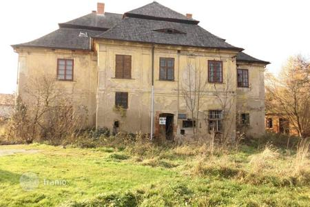 Cheap houses for sale in the Czech Republic. Castle - Pardubice Region, Czech Republic