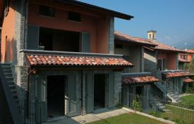 Townhouse in a quiet area of the city, Menaggio, Italy for 420,000 €