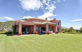 6 bedroom houses for sale in Spain. Magnificent Hillside Villa in Marbella Club Golf Resort, Benahavis