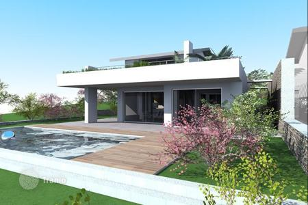Coastal residential for sale in Veneto. Villa - Garda, Veneto, Italy