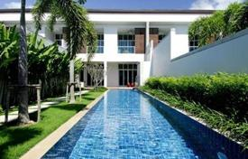 Townhouses to rent in Thailand. Two storey town-houses with private swimming pool in modern style