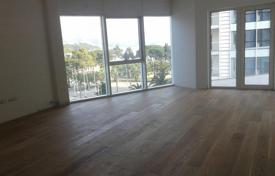 Apartments with pools for sale in Budva (city). Three-room apartment in Budva, Montenegro