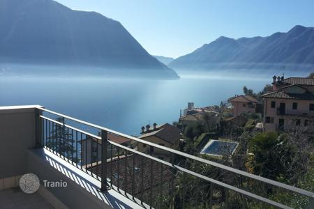 Cheap 2 bedroom apartments for sale in Italy. Lake Como, Sala Comacina, attic apartment N. 4 with pool