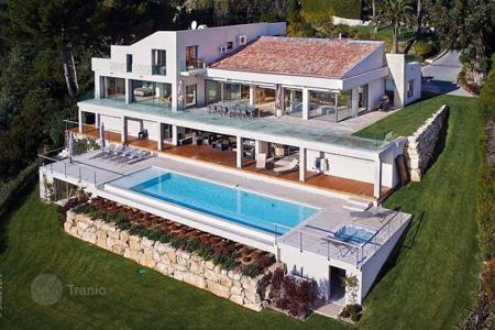 Coastal villas and houses for rent in Cannes. Cannes Californie — Panoramic Sea View