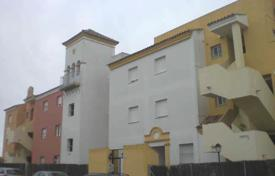 Cheap residential for sale in Cádiz. Apartment – Sanlucar de Barrameda, Cádiz, Andalusia, Spain