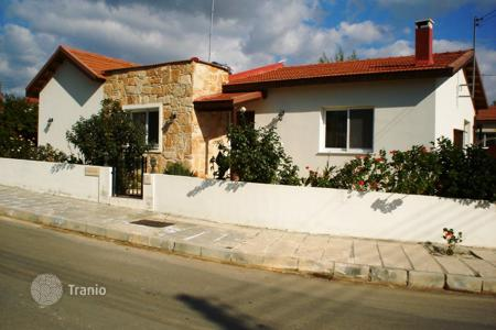 Houses for sale in Souni-Zanakia. Villa – Souni-Zanakia, Limassol, Cyprus