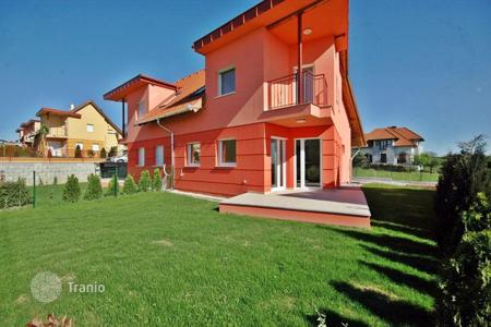 3 bedroom houses for sale in Zala. Newly built flats in Hévíz, in peaceful surroundings near the centre