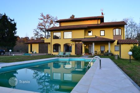 Houses with pools for sale in Boca. Villa – Boca, Piedmont, Italy