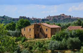Property for sale in Sinalunga. Villa in Siena, Italy