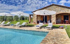 Houses with pools by the sea for sale in Tuscany. Villa – Grosseto (city), Province of Grosseto, Tuscany, Italy