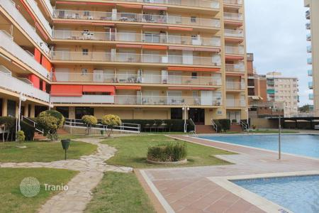 Cheap residential for sale in Malgrat de Mar. Apartment in a residential complex near the sea with license for rent
