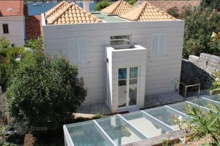 Residential for sale in Dubrovnik Neretva County. Furnished villa with swimming pool and sea view, Zaton, Croatia