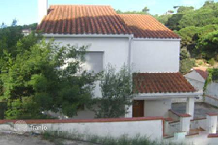 Foreclosed 4 bedroom houses for sale in Dosrius. Villa - Dosrius, Catalonia, Spain