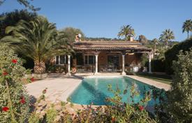 2 bedroom houses for sale in Côte d'Azur (French Riviera). Cannes — Basse Californie — Charming house