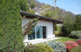 Cozy cottage with a terrace, a garden and lake views, Massino Visconti, Piedmont, Italy for 380,000 €