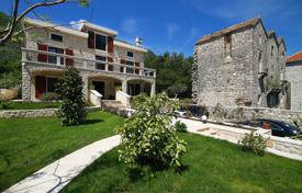 Luxury property for sale in Prčanj. Exclusive house in the village of Prcanj
