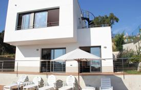 Chalets for sale in Catalonia. Furnished villa with pool, private garden and sea views in Lloret de Mar, Catalonia