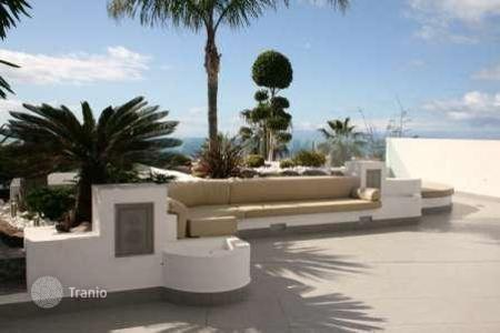 Luxury residential for sale in Chayofa. Villa – Chayofa, Canary Islands, Spain