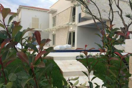 Coastal houses for sale in Porec. House Poreč. Vabriga
