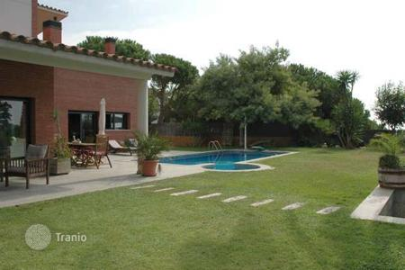 Residential for sale in Premià de Dalt. Spacious house with sea views, Premia de Dalt, Spain