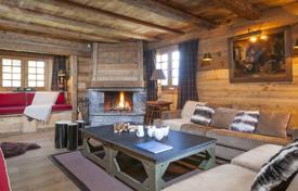 4 bedroom villas and houses to rent in Auvergne-Rhône-Alpes. CHALET ASTRAGALE
